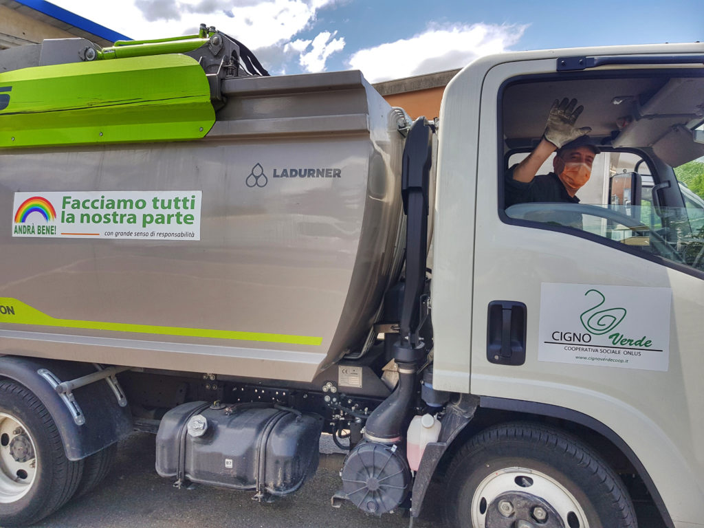 Operatori-ecologici-cigno-verde-parma